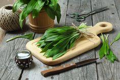 Cooking with Wild Garlic Wild Garlic, Kraut, Preserves, Ricotta, Carrots, Smoothie, Yummy Food, Delicious Meals, Vegetarian