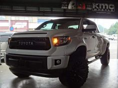 Toyota Trucks, Lifted Trucks, 4runner Limited, Toyota Tundra Sr5, Tundra Truck, Suv Cars, Trd, Cars And Motorcycles, Dream Cars