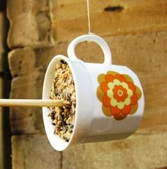 snack for birds Diy Xmas Gifts, Bird Houses, Bird Feeders, Cool Kids, Projects To Try, Snacks, Mugs, Tableware, Garden Ideas