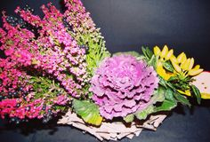 Detox and Nutrition Conference floral design with ornamental pink cabbage and yellow peppers by Atelier Floristic Aleksandra concept Alexandra Crisan