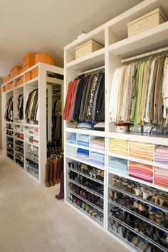 Unique closet design ideas will definitely help you utilize your closet space appropriately. An ideal closet design is probably the only avenue towards good Custom Closet Design, Closet Designs, Custom Closets, Dressing Ikea, Dressing Room, Organize Life, Organiser Son Dressing, Masterplan, Wardrobe Storage