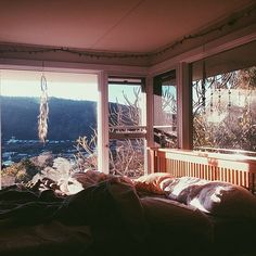 This is what I want the feel of my future home to be. Comfortable, inviting, and calming. Just to walk in and feel a weight lifted because you can leave your stress at the door because I'm home.