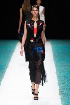 Défile Shiatzy Chen Prêt-à-porter Printemps-été 2014 - Look 39