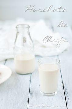 Horchata de Chufa Casera Sin Azúcar Juice Smoothie, Smoothies, Glass Of Milk, Food To Make, Drinks, Milkshakes, Mousse, Recipes, Juices
