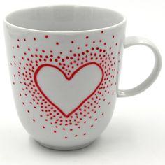 DIY Idee: Tassen selbst bemalen mit Porzellan Stiften. Einfache Motive und Anleitungen zum selbst gestalten von Keramik.