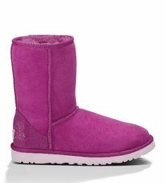 UGG Australia Womens Classic Short #UGG #deals #sales #discounts #offers #amazon #fashion #woman #present #gift #boots #blackfriday #ugg