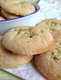 Csak egyszerűen: rusztikus szicíliai kenyér - Mom With Five Cooking Bread, Bread Baking, Lassi, Smoothie Fruit, Buzzfeed Tasty, Greens Recipe, Canning Recipes, Diy Food, Easy Healthy Recipes