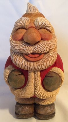 Santa hand carved by Robert Rangel Wood Carving Faces, Wood Carving Tools, Wood Carvings, Sculpture Clay, Sculptures, Christmas Wood, Xmas, Wooden Products, Santa Doll