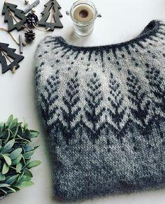 Ravelry 78461218493465793 - Ravelry: geraknits' Vintersol Sweater Testknit Source by Fair Isle Knitting Patterns, Sweater Knitting Patterns, Knitting Designs, Knitting Yarn, Knit Patterns, Free Knitting, Knitting Projects, Icelandic Sweaters, Knitting For Beginners