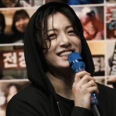 Jungkook Smile, Bts Jungkook, Taehyung, Busan, Jung Kook, Mixtape, Rapper, Fandom, Thing 1