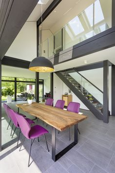 Treppe zur Galerie – Tables and desk ideas Diy Fireplace, Modern Fireplace, Living Room With Fireplace, New Kitchen Doors, Interior Architecture, Interior Design, Luxury Office, Home Office Design, Design Case