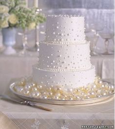 1000 images about wedding cakes on pinterest wedding cakes swiss dot and dots. Black Bedroom Furniture Sets. Home Design Ideas