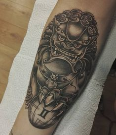 What does fu dog tattoo mean? We have fu dog tattoo ideas, designs, symbolism and we explain the meaning behind the tattoo. Cool Tattoos For Guys, Trendy Tattoos, Tattoos For Women, Foo Dog Tattoo Meaning, Tattoos With Meaning, Asian Tattoos, Dog Tattoos, Mens Tattoos, Tatoos