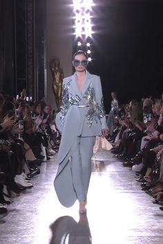 Elie Saab Look Spring Summer 2019 Haute Couture Collection Embroidered Blue Grey Asymmetric Woman's Evening Suit. Runway Show by Elie Saab Evening Gowns Couture, Haute Couture Dresses, Couture Fashion, Runway Fashion, Fashion Models, Evening Dresses, Dior Haute Couture, Armani Prive, Atelier Versace