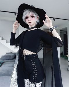 Finally Friday ♡♡♡ any plans for the weekend? I'm going with my bae on a little trip ^^ . Coven Fashion, Emo Fashion, Grunge Fashion, Gothic Fashion, Fashion Outfits, Grunge Outfits, Neue Outfits, Edgy Outfits, Style Grunge
