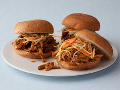 Quick and Easy Pulled Pork Sandwiches