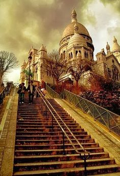 Basilique du Sacré coeur. Paris. France. Beautiful views of Paris. Nice to have a picnic/wine up here.