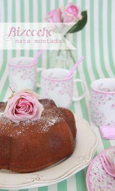 Mini Bundt Cakes de zanahoria y chocolate con ganache de chocolate Sweets Recipes, Cake Recipes, Desserts, New Cake, Bread Cake, Breakfast Items, Yummy Cakes, Vanilla Cake, Bakery