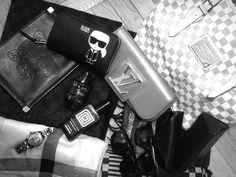 #gucci #LV #louisvuitton #karllagergeld #kenzo #burberry #versace #rayban #luxurybitches #accessories #hype #fashion #slowfashion #wallet #poches #handbag #scarves #shawl #watches #cosmetics #sunglasses #layout #blackandwhite #fashionlover #collector #mattywimber