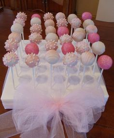 Girls first birthday! A sea of PINK! - Gallery of C-Mädchen Erster Geburtstag! – Gallery of Cake Pops I've Made … Girls first birthday! A sea of PINK! – Gallery of Cake Pops I've Made – - Birthday Cake Pops, First Birthday Cakes, Girl First Birthday, Birthday Parties, Birthday Display, Baby Shower Cakes, Baby Shower Desserts, Baby Shower Decorations, Baby Shower Cake For Girls