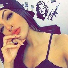 Image about girl in Make up & beauty 💅🏻👄 by SaraBarbie Foto Instagram, Instagram Girls, Instagram Ideas, Tmblr Girl, Selfie Poses, Pinterest Hair, Girl Inspiration, Alternative Girls, Stylish Girl