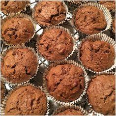 Estas Magdalenas de Chocolate y Avellanas son ideales tanto como para un buen desayuno como para una animada merienda en compañía.        ...