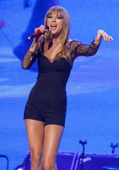 """( BEAUTIFUL COUNTRY MUSIC ♪♫♪♪ 2016 ★ TAYLOR SWIFT """" Country / pop """" ) ★ ♪♫♪♪ Taylor Alison Swift - Wednesday, December 13, 1989 - 5' 10'' - Reading, Pennsylvania, USA."""