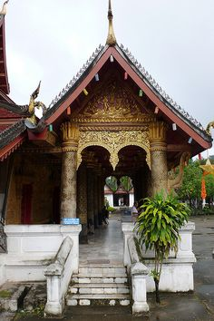 Wat May Sisouvanna - Luang Prabang, Laos Luang Namtha, Luang Prabang, Vientiane, Buddhist Temple, Temples, Laos, Castles, Vietnam, Sculptures