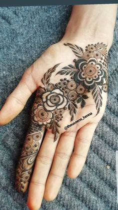 Pretty Henna Designs, Floral Henna Designs, Indian Henna Designs, Henna Art Designs, Mehndi Designs For Beginners, Modern Mehndi Designs, Dulhan Mehndi Designs, Mehndi Designs For Fingers, Mehndi Design Pictures
