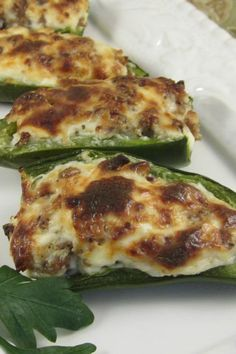 Sausage Stuffed Jalapenos Great recipe everyone loved them Definitely makes plenty of filling Potluck Recipes, Gourmet Recipes, Mexican Food Recipes, Great Recipes, Cooking Recipes, Favorite Recipes, Healthy Recipes, Breakfast Recipes, Spicy Appetizers
