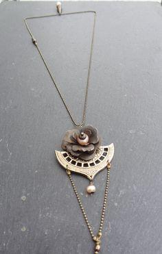 Bijou de dos/collier laiton, perle de culture