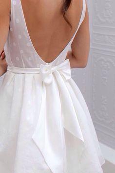 Wedding dress detailing