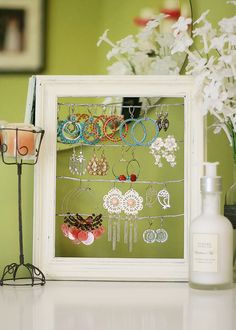 Gorgeous earring display...Next on the list to make!!
