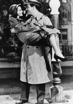 Robert Taylor (Roy Cronin) & Vivien Leigh (Myra Lester)_Waterloo Bridge (1940)