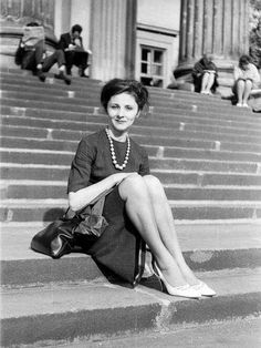 1967. A Nemzeti Múzeum lépcsőjén