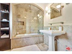 Badewanne Spanisch badezimmer fliesen naturstein optik begehbare dusche badewanne
