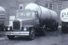 B/W PHOTO GILBRAITH TANKERS SCAMMELL HIGHWAYMAN ARTIC TANKER - WTD 799D #Notapplicable