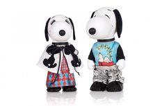 Photographie packshot en studio de Snoopy et Belle pour la fashion week. Tenues de Venera Arapu. Cartoon Characters, Fictional Characters, Peanuts Snoopy, Charlie Brown, Mickey Mouse, Fashion Week, Studio, Photos, Cartoons