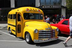 Chevrolet school bus (1949) by Look Over There, via Flickr