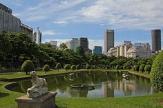 RIO DE JANEIRO - Another view of Paris Square in the neighborhood of Glory, in the southern city.