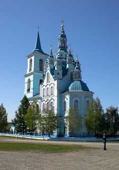 Saviour Transfiguration Church. Verkhnyaya Sinyachikha, Yekaterinburg, Russia. Photo by Andy New.