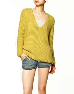 Call me crazy, but mustard yellow is one of my all-time favorite colors for clothes. Especially tops. #Zara
