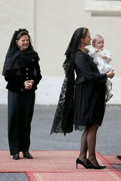 Queen Silvia of Sweden, Princess Madeleine of Sweden and her daughter Princess Leonore leave the San Damaso Courtyard after the meeting with Pope Francis on 27.04.2015 in Vatican City, Vatican.