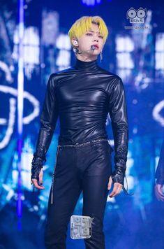 K Pop, Daddy, Wattpad, Kpop Guys, Oui Oui, Other Outfits, K Idols, South Korean Boy Band, Boy Groups