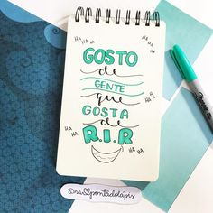 E ai vcs tbm? Lettering Tutorial, Hand Quotes, Words Quotes, Brush Lettering, Hand Lettering, Classroom Art Projects, Bullet Journal Notes, Diy Letters, Bullet Journal Inspiration
