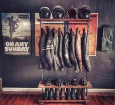 On Any Sunday Triptych with Industrial Motorcycle Garment Build and Key Locket D… An jedem Sonntag Triptychon mit Industrial Motorcycle Garment Build und Key Locket Dainese Official Motorcycle Shop, Motorcycle Garage, Motorcycle Style, Motorcycle Helmets, Motorcycle Accessories, Biker Style, Motorcycle Workshop, Tracker Motorcycle, Enduro Motorcycle