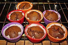 Eiweiß-Schoko-Muffins mit flüssigem Kern (Rezept mit Bild) | Chefkoch.de Dessert, Sweets, Diet, Baking, Breakfast, Food, Cupcakes, Drinks, Pastries