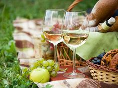 Ask a Sommelier: The Best Wines for Daytime Drinking | Serious Eats: Drinks