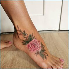 50+ Amazing & Unique Foot Tattoos Designs & Ideas For Everyone Sunflower Foot Tattoos, Floral Foot Tattoo, Flower Tattoos, Unique Tattoos, New Tattoos, Small Tattoos, Tatoos, Outlaw Tattoo, Tattoo Off