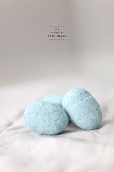 #gifts, #diy, #easter, #easter-eggs, #bath-bombs, #beauty, #bubble-bath, #bathroom, #blue, #party-favor, #bath  Styling & Photography: Style Me Pretty Living - smpliving.com